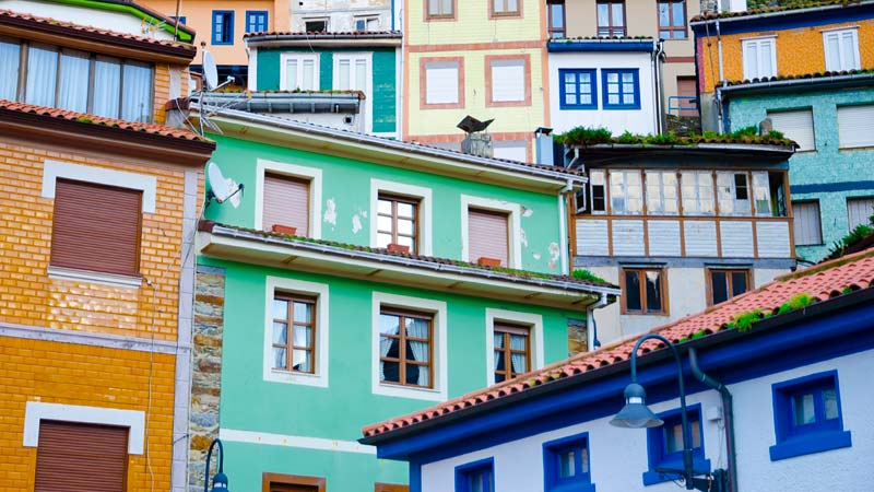 Spanish buildings of different colors