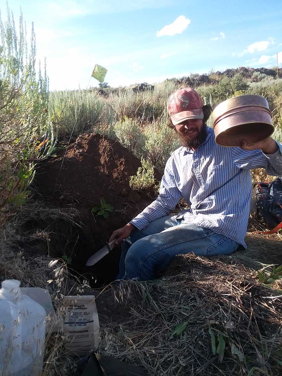 Ebbers digging a soil pit