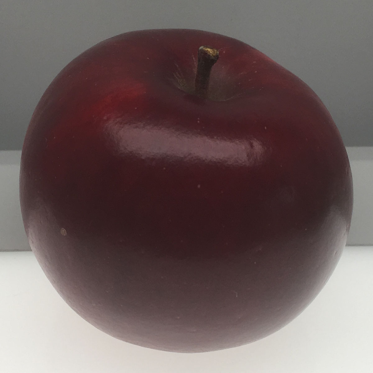 Gernes Red Acre apple