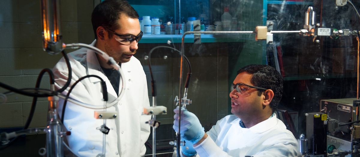 Nuclear engineering faculty Vivek Utgikar in the lab