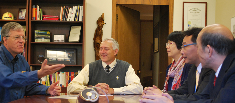 President Staben and Dean Stauffer meet with WSCU representatives