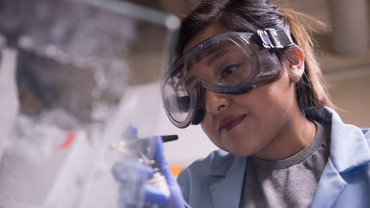 Grand Challenge Scholars student Jackie Martinez in the lab