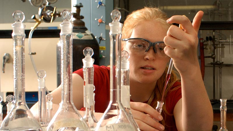 A student working in a chemistry lab.