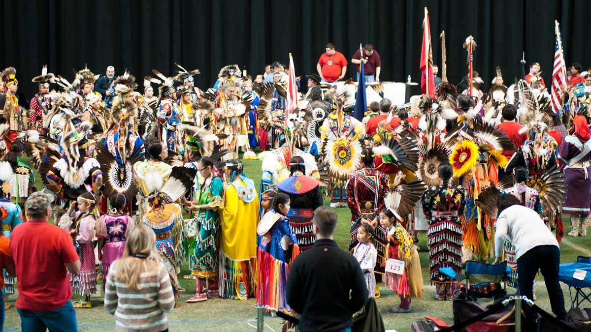 Students at the Tutxinmepu Powwow