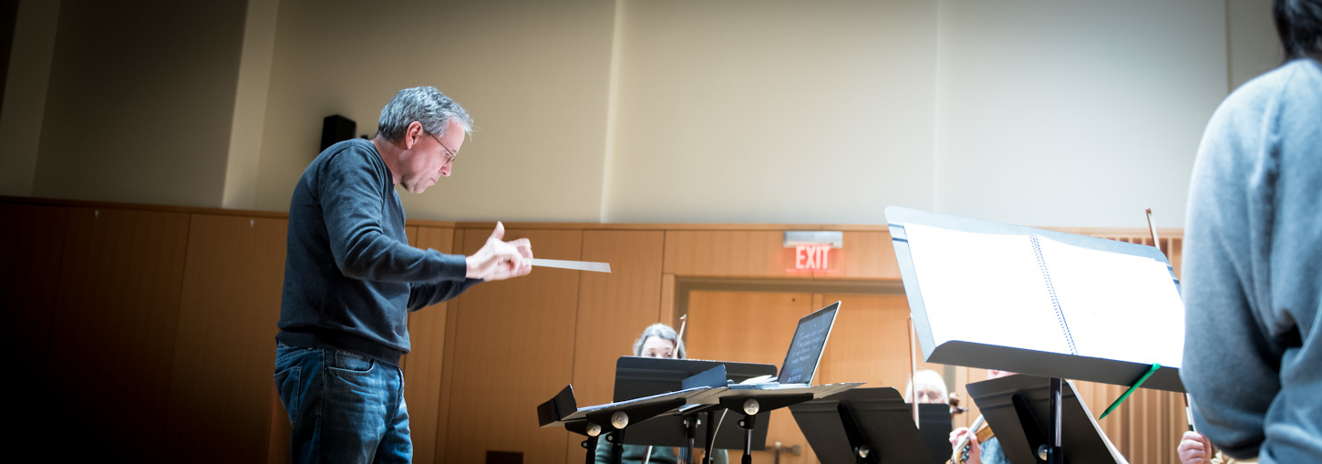 Alan Gemberling conducting